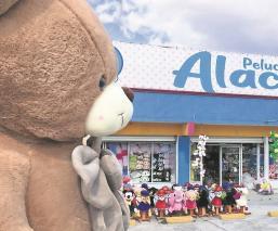 Pelucheros disminuyen producción de muñecos y otros cierran sus talleres en Edomex