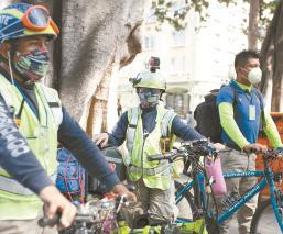Paramédicos de Oaxaca atienden emergencias en bici-ambulancias, llegan en 10 minutos