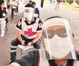 Urgenciólogos de la Cruz Roja del Edomex recibieron su primera vacuna vs el Covid