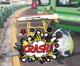 Biker derrapa y sale disparado contra muro de contención, en curva peligrosa del Edomex
