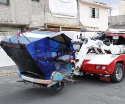 Por presunto ajuste de cuentas, balean a mototaxista en Neza mientras hacía talacha