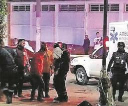 Grupo armado acribilla a policías frente a Palacio Municipal de Teoloyucan, en Edomex