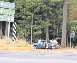 Guardia Nacional alerta a automovilistas por robos de autos en Edomex, instalan retén