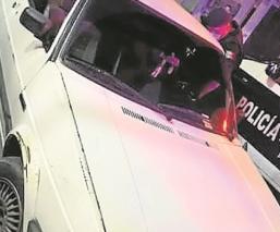 Comerciantes golpean y denuncian a pareja que compraba con billetes falsos en Morelos