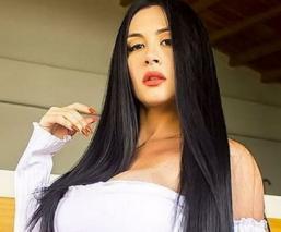 Diosa Canales desafía a Instagram y postea una foto en 'traje de Eva' que la red eliminó