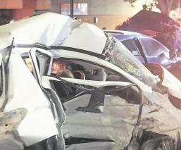 Tras no respetar semáforo en rojo, conductor provoca carambola y anciano muere en CDMX