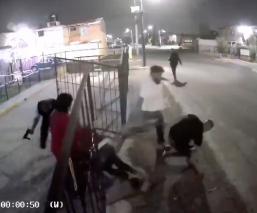 Video capta linchamiento de 2 hombres que atacaron a familia con subametralladora, Edomex