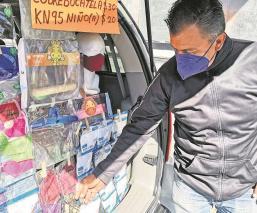 Ante el desempleo, hombre saca a flote a su familia con ambulantaje en Edomex