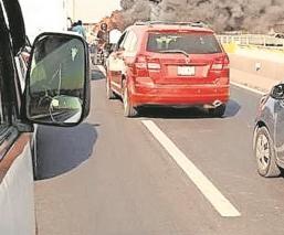 Arde autobús de pasajeros en la México-Pachuca, se reportó una falla mecánica
