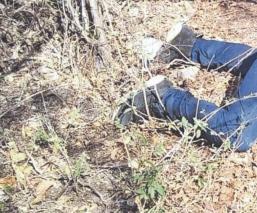 Le perforan a balazos la cabeza a un hombre y tiran su cuerpo en carretera de Morelos