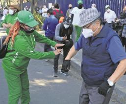 Al ritmo de la música, fluyó sin contratiempos la vacunación vs Covid en Iztacalco