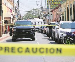 Fiscalía Antisecuestros catea y clausura dos bares en Cuautla, Morelos