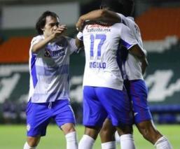 Cruz Azul vence a León, suma otro triunfo al hilo y ya es líder general