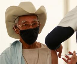 Baja afluencia de abuelitos en centros de vacunación Covid de Ecatepec, no más filas