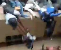Video capta la muerte de 5 estudiantes tras caer desde un cuarto piso en Bolivia