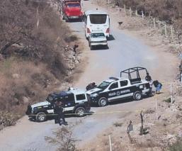 Abandonan cadáver sin rostro y sin cabellera en un camino de terracería, en Morelos