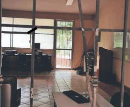 Como profes guardaron computadoras, ladrones se llevan los lavabos en escuelas de Morelos