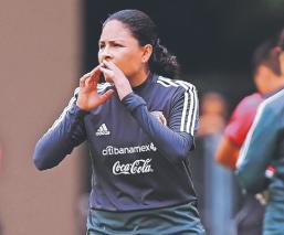 Mónica Vergara disfruta de la época que le ha tocado vivir dentro del futbol femenil