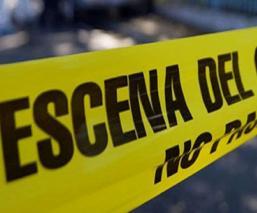 Hombres atacan a balazos a conductor de auto de lujo en la alcaldía Iztapalapa