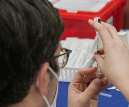 México registra primer caso grave de trombosis asociado a la vacuna AstraZeneca