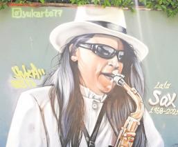 Yuka, artista del graffiti rinde homenaje y le hace mural a 'Sax' de La Maldita Vecindad