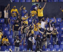 El cuadro universitario lanzó un mensaje en redes sociales donde aseguran que ya investigan las acciones en la tribuna del estadio contra sus aficionados