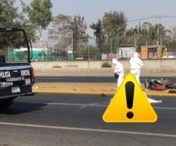 Camión se lleva a joven motociclista y lo mata sobre la Avenida Central, en Ecatepec