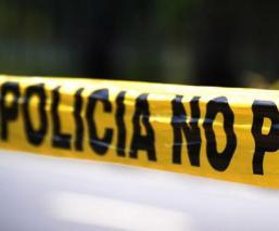 Encuentran cuerpo decapitado de un hombre con un narcomensaje en Morelos