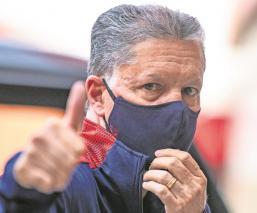 Chivas ratifica a Ricardo Peláez, habrá continuidad en el equipo
