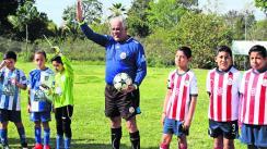 Rosalío Gama Morelos arbitro de cuatro décadas futbol profesor Rosalío el Chino