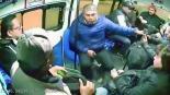Cámaras captan violento asalto pasajeros combi Estado de México