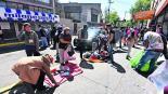 Ambulantes Toluca hacen frente policías