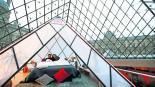 Ofrecen noche de ensueño Louvre Airbnb