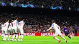 Messi le hizo dos goles al Liverpool
