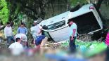 Automovilista Choca Vueltas por la carretera Morelos