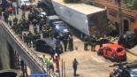 Persecución Balacera Tráiler choca Mueren civiles Santa Fe CDMX
