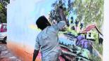 Indigente asombra murales