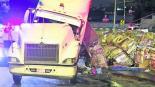 trailer volcadura cartón mercancía toneladas carretera méxico-toluca