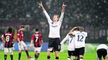 delantero inglés Peter Crouch anuncia retiro