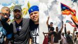 Al ritmo de reggaeton Bad Bunny y Residente celebran renuncia de Ricardo Rosselló