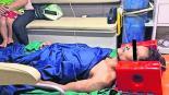 hombre joven atrapado entre rocas piedras prensado rescatan hospitalizado camboya