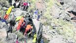 niño de nueve años rescata a su familia accidente escala 100 metros argentina
