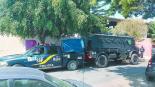 Ladrones tunden a policías y los desarman para después cometer atraco en la GAM