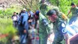 Mueren familiares de niños músicos en trágica volcadura en Zimapán