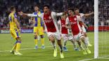 Edson Álvarez anota en la clasificación del Ajax a la Champions League
