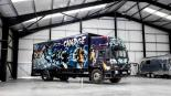 subastan Turbo Zone Truck autobús grafitis Bansky
