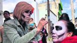 Artistas denuncian hostigamiento por parte de inspectores en la Feria del Alfeñique