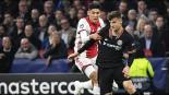 Ajax con Edson Álvarez pierde ante el Chelsea en Champions