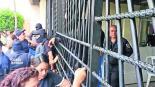 realizan paro de labores en penal de morelos exigen aumento salarial