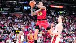 John Collins Haws de Atlanta NBA